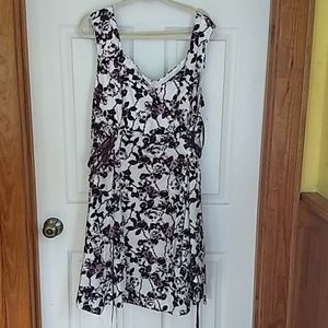 NWT Hot Topic 26  plus white purple  floral dress